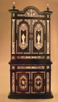 Sotheby's Auction Catalogue: 19th/20th c. Furniture & Decorations June 8, 1990 Sample Page