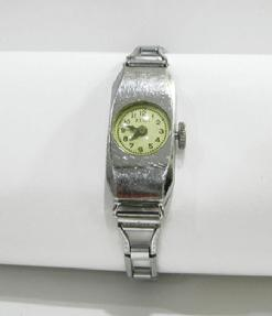 Rare 'Zena' Fond Acier Inoxydable Child's Watch - 1947 - Face View