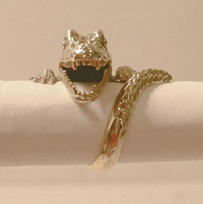 18k YG Enamel Crocodile Ring - Closeup View