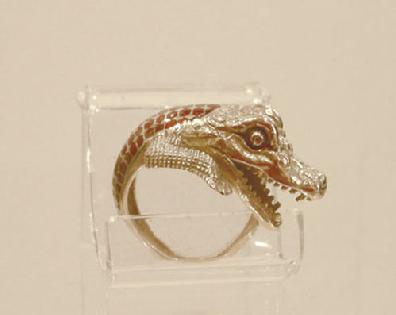 18k YG Enamel Crocodile Ring - Side View