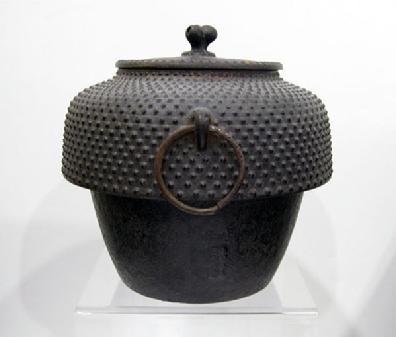 Antique Japanese Cast Iron Tea Ceremony Kettle with 'Arare' ( Hailstone) Pattern - Signed - Side View