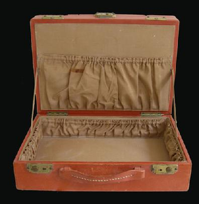 BOYLE Leather Ladies Train Case - 1920's-30's Fitted with Necessities - 2nd Tier Interior View