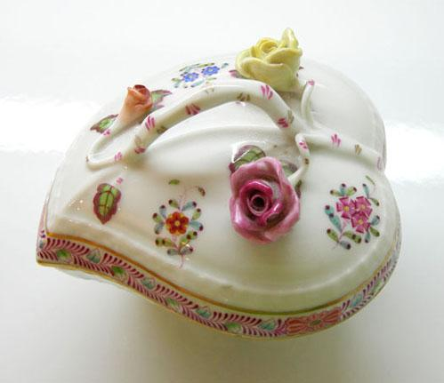 Vintage Hand-Painted Herend China 'Chinese Bouquet' Multicolor Covered Heart Bonbon - 1970's