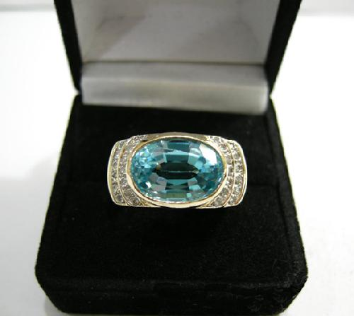 Vintage 14K Yellow Gold Blue Topaz and Diamond Ring